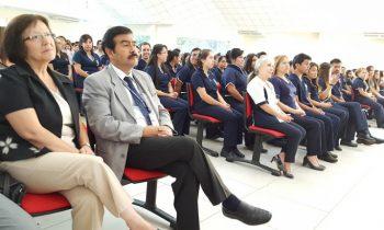 Carrera de Enfermería Inviste a 74 Estudiantes
