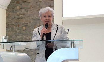 Dra. Lilya Wagner Dicta Conferencia en la UnACh