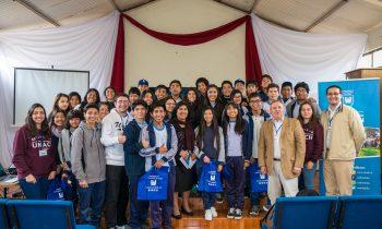 La UnACh presentó su proyecto educativo en Colegio Adventista de Arica