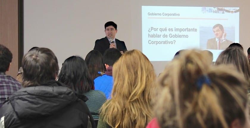 Dr. Pablo San Martín Dicta Conferencia sobre Gobierno Corporativo