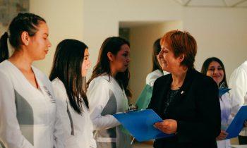 Carrera de Trabajo Social organiza ceremonia de investidura de prácticas