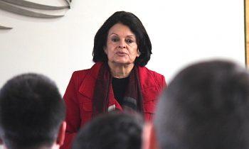 Dra. Ana Salazar Dicta una Serie de Conferencias en la UnACh