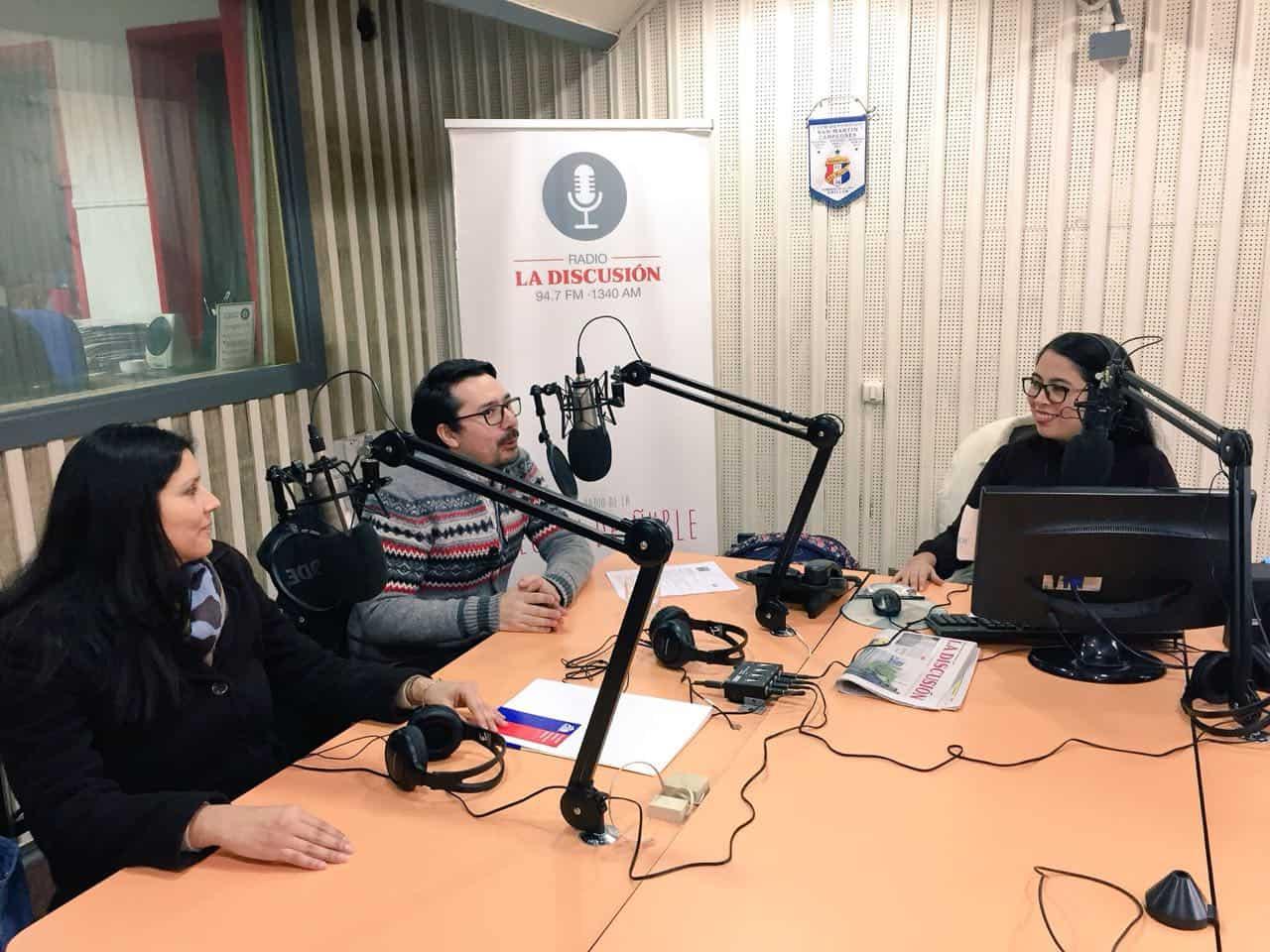 Directora de Servicios Estudiantiles en Entrevista Radial