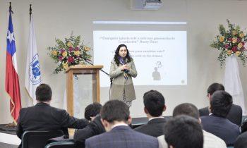 Charla Sobre Labor con Niños y Adolescentes para Carrera de Teología