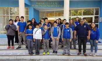 Delegación de Escuela Primaria Visita Campus Universitario