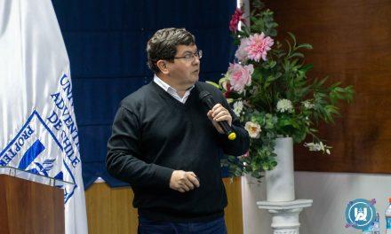 """Dr. Pablo Undurraga Díaz dictó charla titulada: """"Redacción De Publicaciones Académicas"""""""