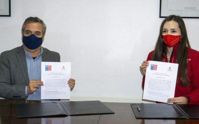 UNACH y FOSIS Ñuble firman convenio de colaboración para ayudar a familias vulnerables de la región