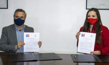 UNACH y FOSIS Ñuble firman convenio de colaboración para trabajar juntos en la superación de la pobreza