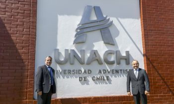 UNACH inaugura nuevo logo institucional