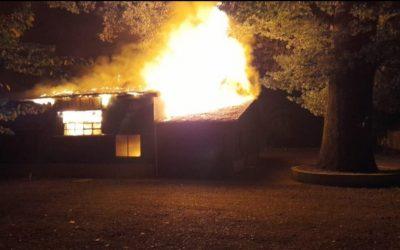 Incendio afectó dependencia de la Universidad Adventista de Chile.